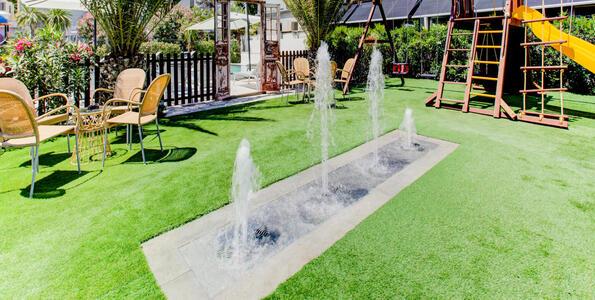 hotelduemari fr special-vacances-a-la-mer-en-aout-a-l-hotel-4-etoiles-avec-piscine-et-jardin 006