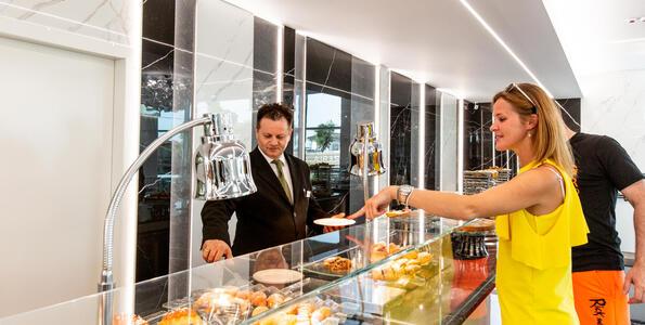 hotelduemari it offerta-in-hotel-a-rimini-fronte-mare-per-fiera-expodental-meeting 008