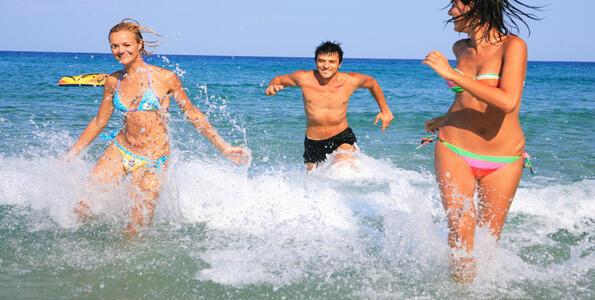 hotelduemari it speciale-notte-rosa-in-hotel-sul-mare-con-piscina-a-rimini 008