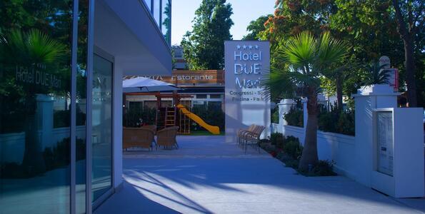 hotelduemari en weekend-offer-on-2nd-june-in-hotel-by-the-sea-in-rimini 007