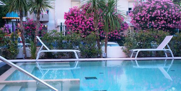 hotelduemari fr juillet-special-familles-a-l-hotel-pres-de-la-mer-et-avec-piscine 006