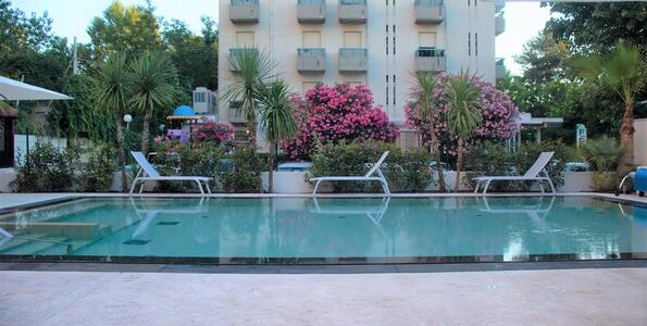 hotelduemari en special-offer-beach-holidays-in-august-in-4-star-hotel-with-pool-and-garden 006