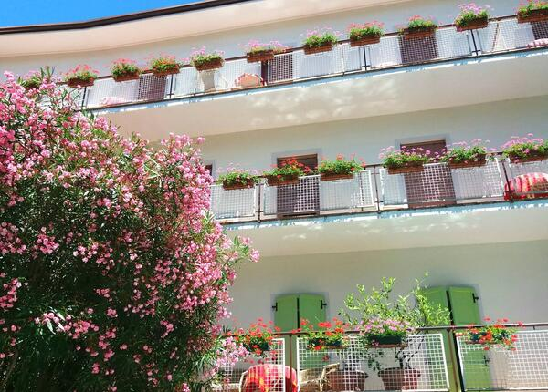 epochehotel.upgarda en special-offer-july-and-august-in-hotel-on-lake-garda-trentino-side 011