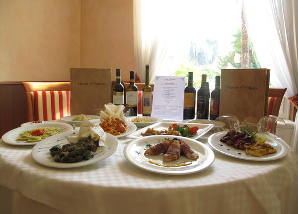 upgarda en offer-for-short-break-in-hotel-to-discover-the-flavours-of-lake-garda 009