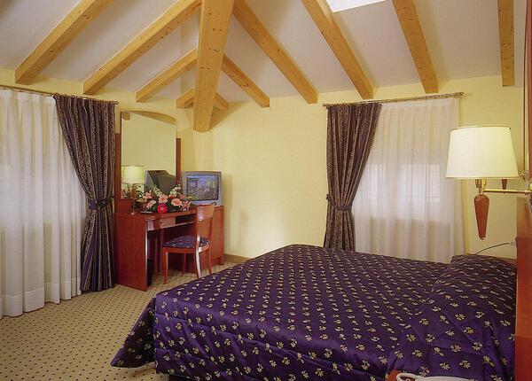 upgarda it speciale-settembre-e-ottobre-in-hotel-3-stelle-ad-arco-sul-lago-di-garda 012