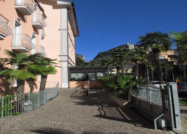 upgarda it speciale-settembre-e-ottobre-in-hotel-3-stelle-ad-arco-sul-lago-di-garda 010