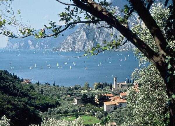 epochehotel.upgarda en offer-for-september-and-october-for-a-couple-s-stay-at-hotel-on-lake-garda 012
