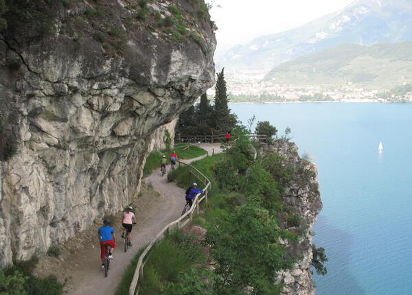 upgarda it speciale-famiglia-settembre-e-ottobre-in-hotel-sul-lago-di-garda-con-escursioni-guidate 010