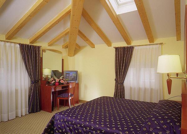 upgarda it speciale-pasqua-in-hotel-vicino-al-lago-di-garda 012