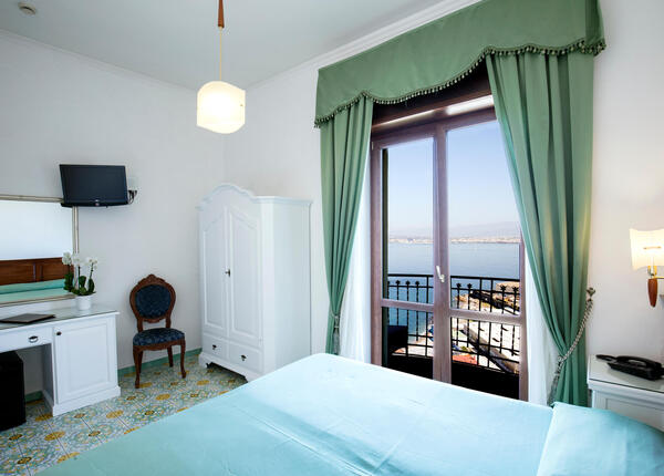 lapanoramicahotel en offer-low-season-hotel-castellammare-near-the-amalfi-coast 017