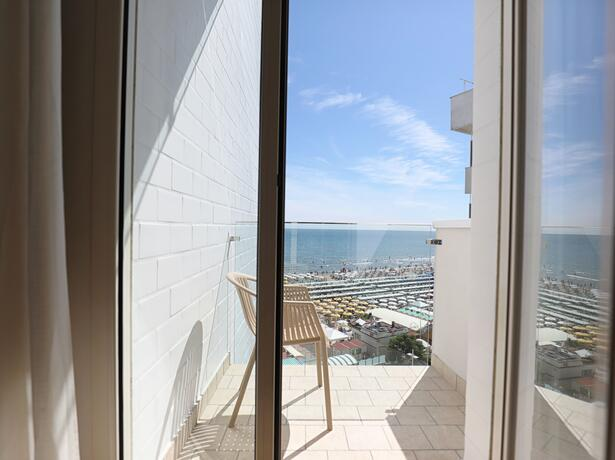 hoteldanielsriccione en offer-for-early-july-in-hotel-with-panoramic-sea-view-in-riccione 016