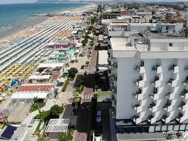 hoteldanielsriccione it offerta-hotel-riccione-per-expodental-meeting-rimini 015