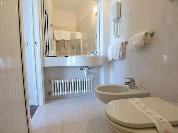 hoteldanielsriccione it offerta-motogp-misano-in-hotel-riccione-con-parcheggio-per-auto-e-moto 016