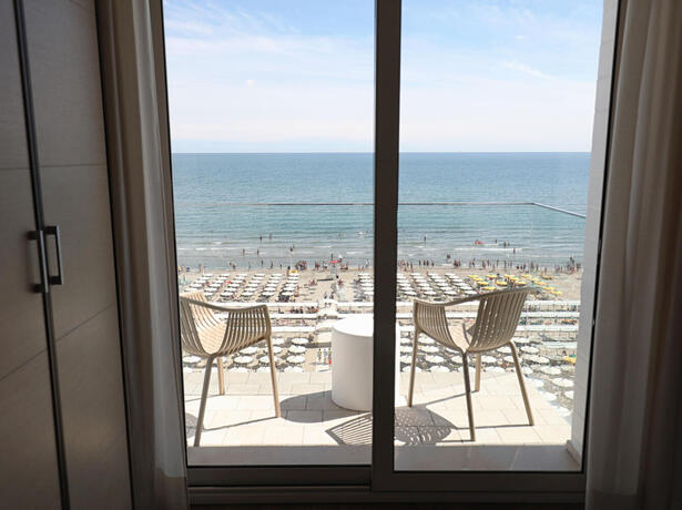 hoteldanielsriccione en offer-for-mid-july-in-riccione-at-hotel-with-rooms-offering-panoramic-views-and-excellent-cuisine 016