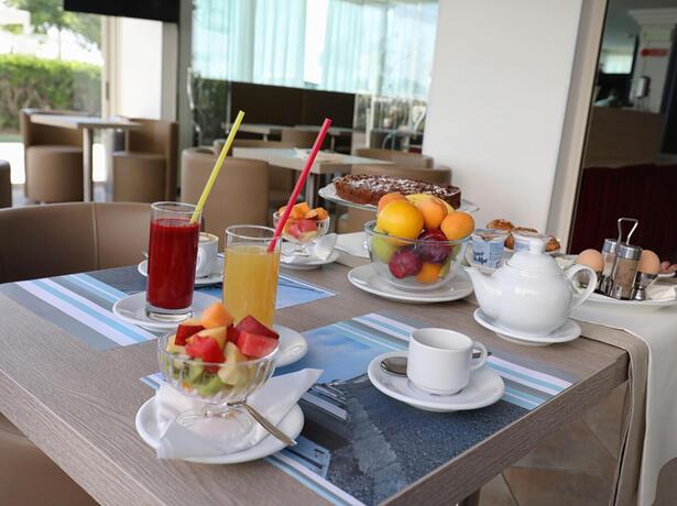hoteldanielsriccione fr offre-fin-juin-riccione-a-l-hotel-front-de-mer 014