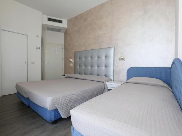 hoteldanielsriccione it vacanze-di-luglio-a-riccione-in-hotel-fronte-mare 015