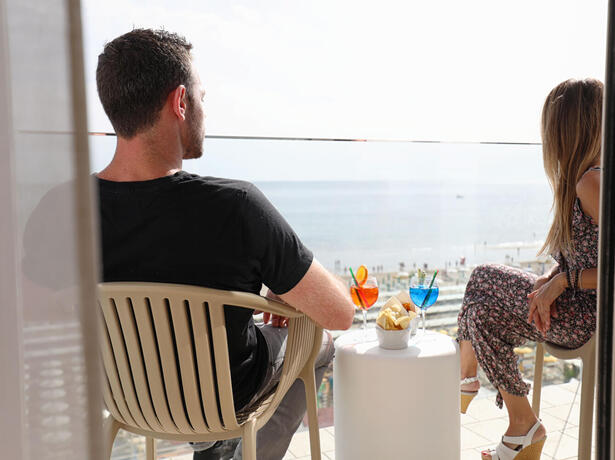 hoteldanielsriccione en holiday-offer-in-june-in-riccione-by-3-star-superior-hotel-with-sea-view 016