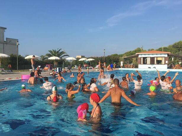 royalsgatehotel it inizio-agosto-sul-gargano-in-hotel-con-piscina-spiaggia-inclusa 009