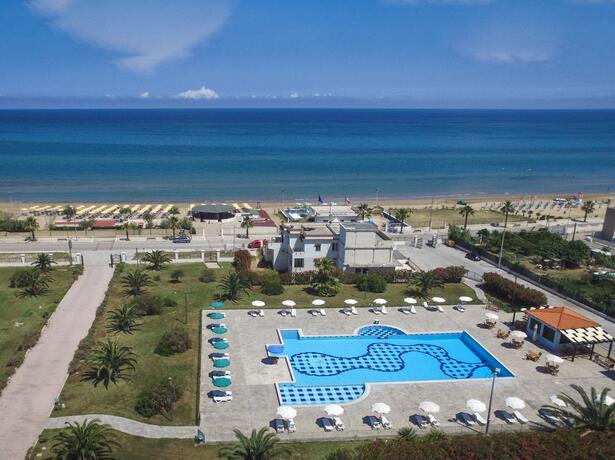 royalsgatehotel it prenota-prima-vacanza-sul-gargano-in-hotel-per-famiglie 015