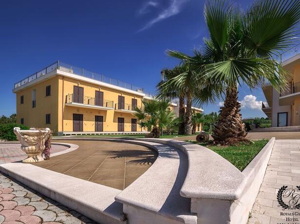 royalsgatehotel it prenota-prima-vacanza-sul-gargano-in-hotel-per-famiglie 011
