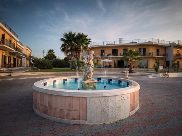royalsgatehotel en offer-august-in-rodi-garganico-in-family-hotel-by-the-sea 013