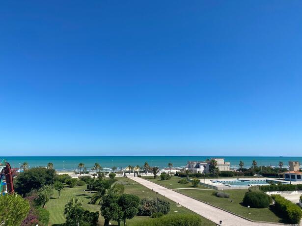 royalsgatehotel en offer-august-in-rodi-garganico-in-family-hotel-by-the-sea 012