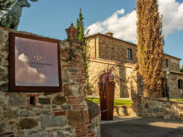 poggioparadisoresort en november-in-a-tuscan-resort-with-wine-tastings 009