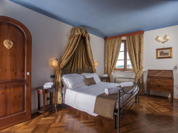 poggioparadisoresort fr trekking-en-toscane-hotel-val-d-orcia 007