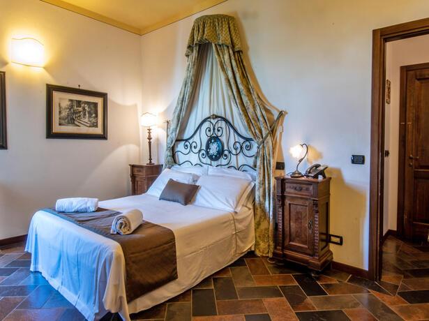 poggioparadisoresort en hotel-with-spa-val-di-chiana-near-siena 007