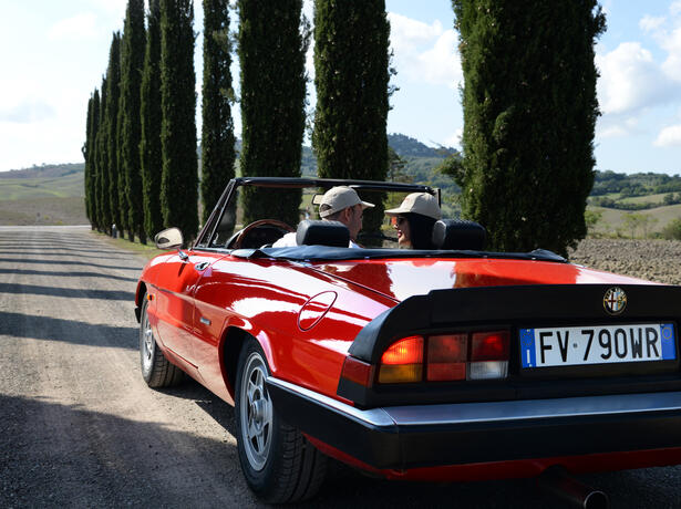 poggioparadisoresort en vintage-car-tour-in-tuscany 005