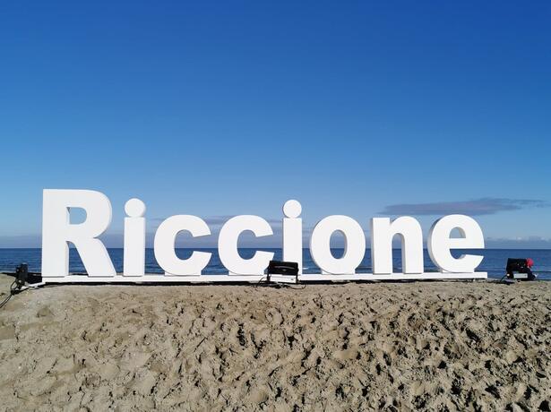 hotelbelliniriccione it offerta-motogp-hotel-con-pargheggio-a-riccione 018