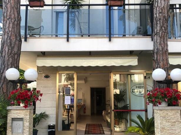 hotelbelliniriccione it offerta-ponte-25-aprile-a-riccione-in-hotel-con-parcheggio 016