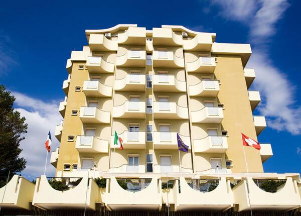hoteloceanic it speciale-luglio-a-bellariva-di-rimini-con-piscina-animazione-per-bambini-e-serate-a-tema 010