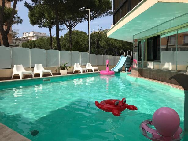 gambrinusrimini fr offre-plan-familles-enfant-gratuit-a-l-hotel-pres-de-la-mer-a-rimini-marebello 023
