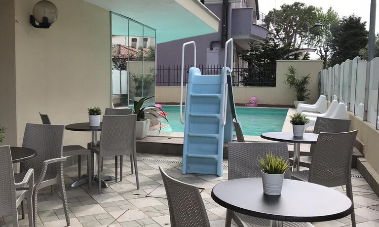gambrinusrimini en offer-for-july-in-family-hotel-with-pool-in-rimini-near-the-sea 014