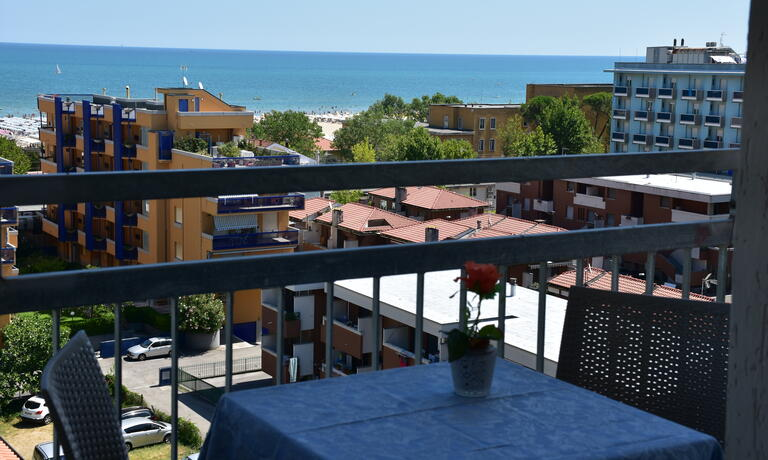 gambrinusrimini it offerta-weekend-in-hotel-con-piscina-vicino-al-mare-a-rimini 008