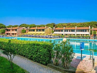 tizevillage en offer-end-of-august-beginning-of-september-apartments-in-village-in-rosolina-mare 020