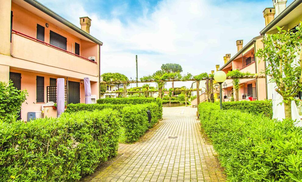 tizevillage de angebot-juli-apartments-im-feriendorf-am-strand-mit-pool-rosolina-po-delta 017
