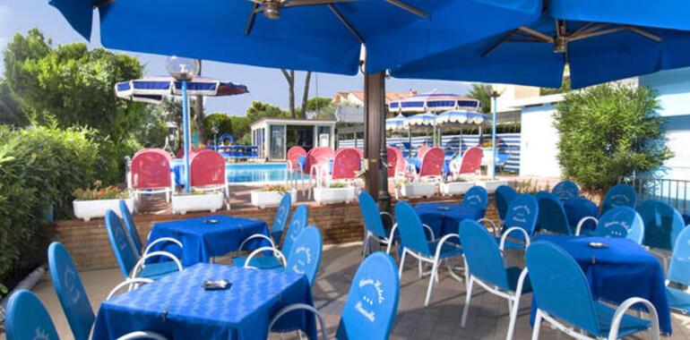 hotelprimulazzurra.unionhotels it offerta-agosto-all-inclusive-in-hotel-3-stelle-vicino-al-mare-per-famiglie 010