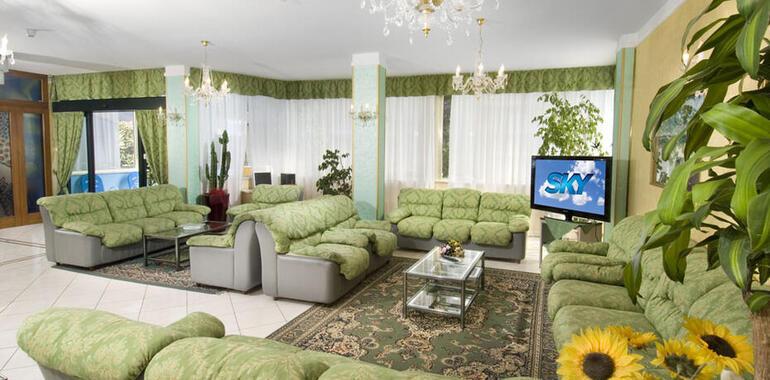 hotelprimulazzurra.unionhotels it offerta-giugno-all-inclusive-al-mare-a-pinarella-di-cervia-in-hotel-3-stelle 013