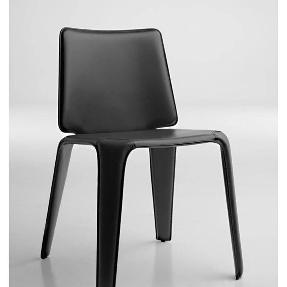 Sedia tutta rivestita in cuoio mood pedrali ideal sedia for Sedie cuoio prezzi