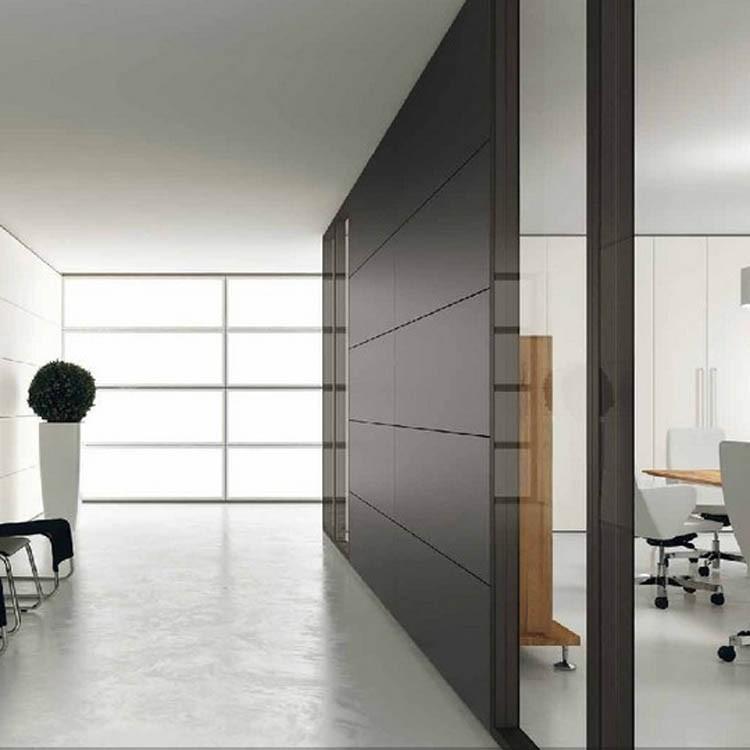 Parete divisoria in vetro o cieca modello over ideal sedia - Parete divisoria in vetro ...