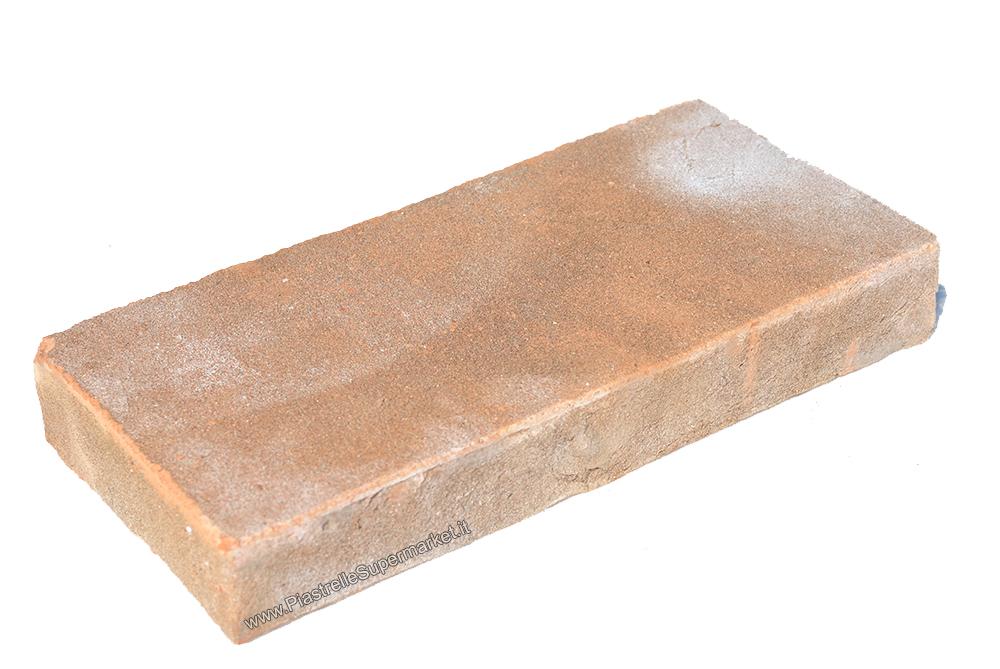 Piastrelle in cotto fatte a mano: mattonelle in cotto realizzate a