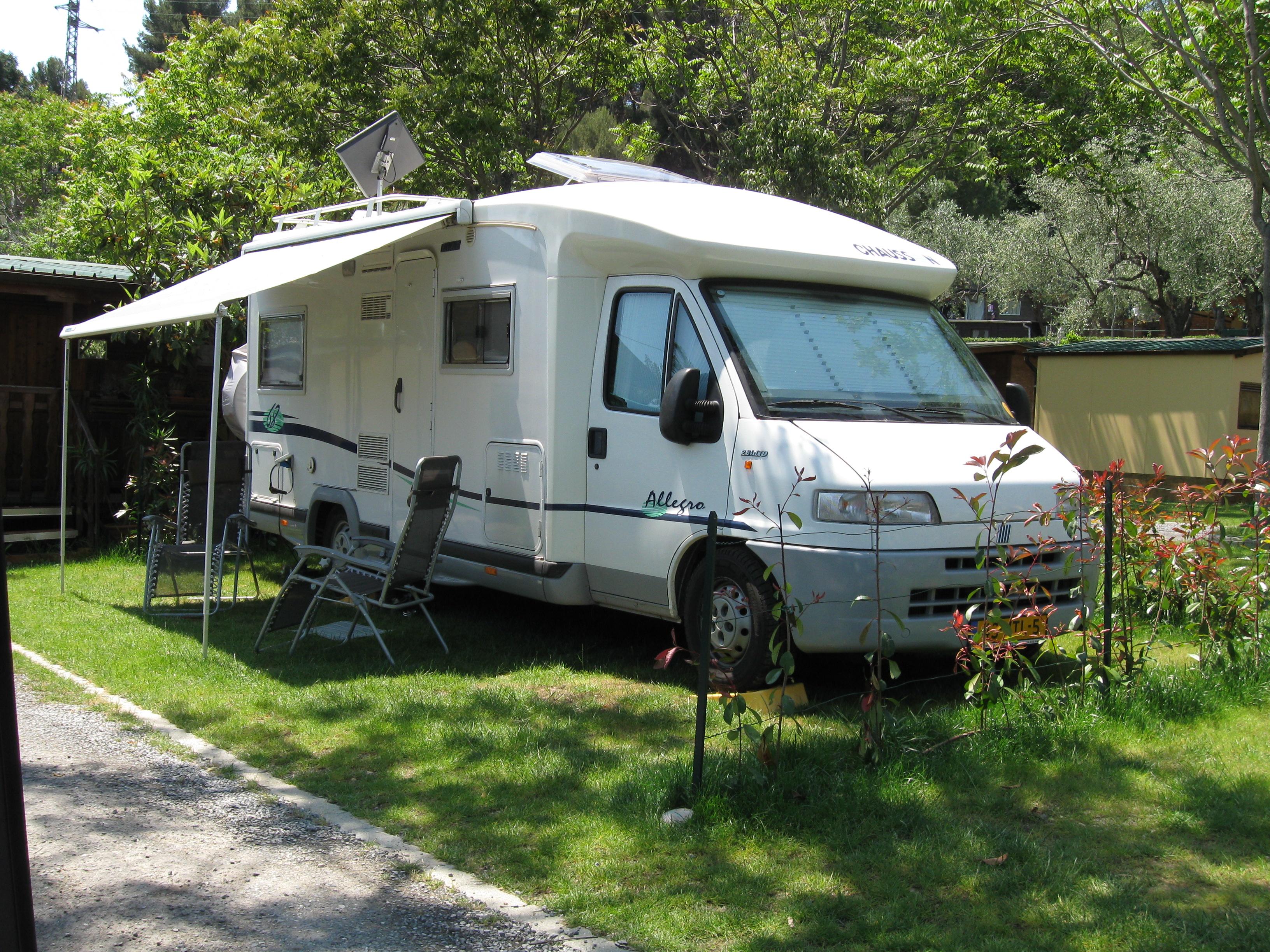 ostern in wohnmobilen und wohnwagen camping il frantoio. Black Bedroom Furniture Sets. Home Design Ideas