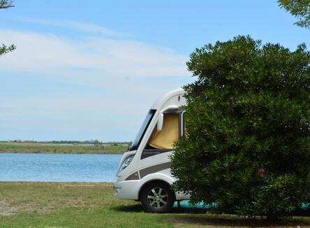 Vacanze in libertà? Scegli la nostra offerta piazzole per camper o tenda