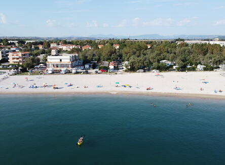 FANTASTIC STAY IN A HOTEL BY THE SEA IN FANO