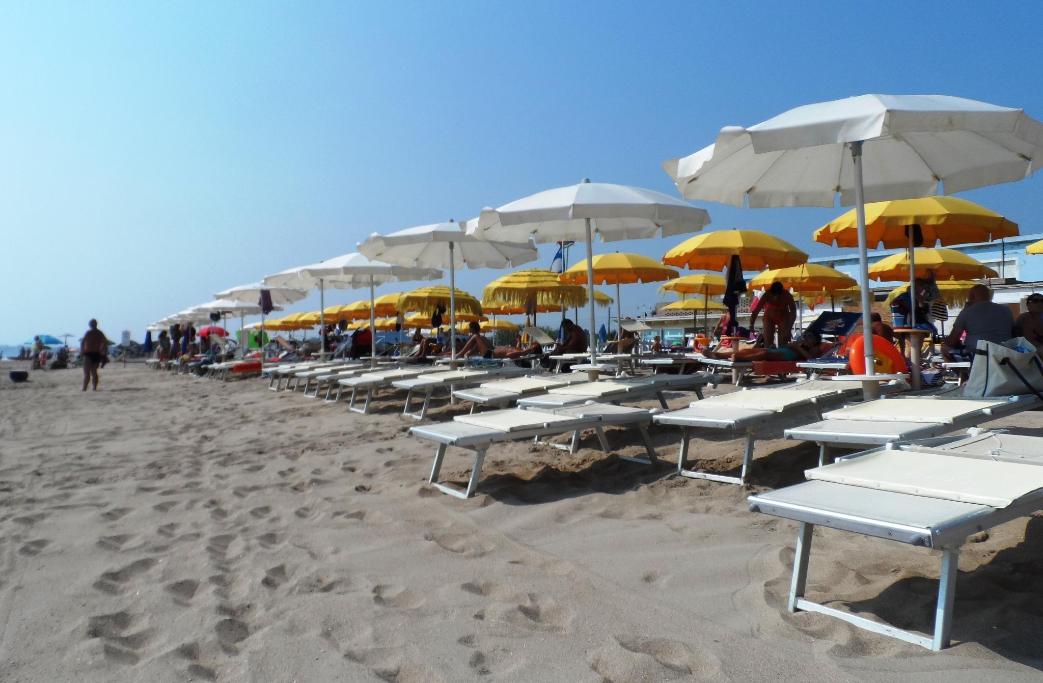 Offerta mare prima settimana d 39 agosto camping village - Tavolo matto porto potenza ...