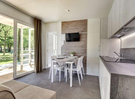 SPRING 2020 IN VENICE - BUNGALOW OFFER