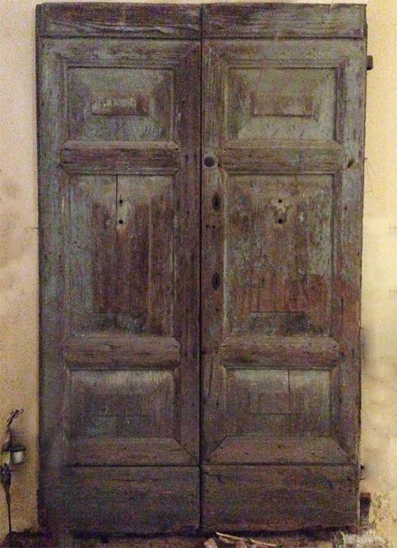 Porta Antica a due battenti in legno | Antiquariato di Pregio ...