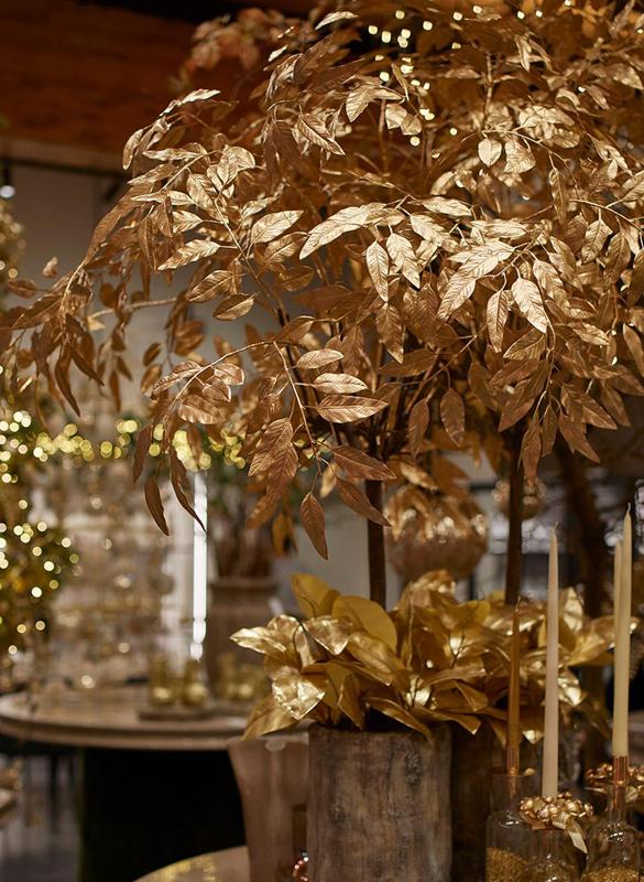 Decorazioni Natalizie Con Foglie Di Magnolia.Ramo Dorato Di Foglie Di Magnolia
